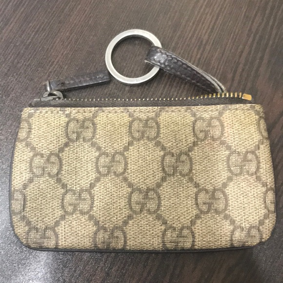 89fc224b4b6 Gucci Accessories - Gucci Key Chain Card Holder